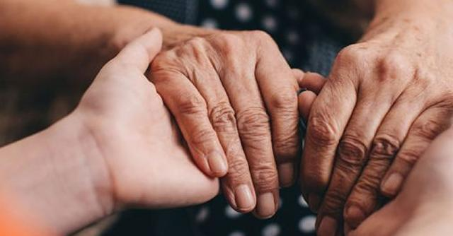 11 квітня – всесвітній день боротьби з хворобою Паркінсона